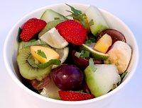 Sałatka owocowa z miętą 2-mini
