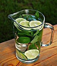 Napój z miętą i limonką-mini