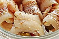 Roladki z mintaja, suszonych pomidorów i mozzarelli-mini